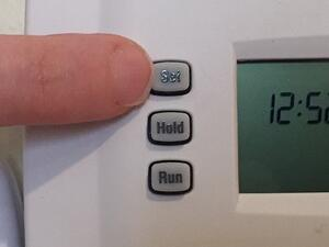 programmable thermostat to save money